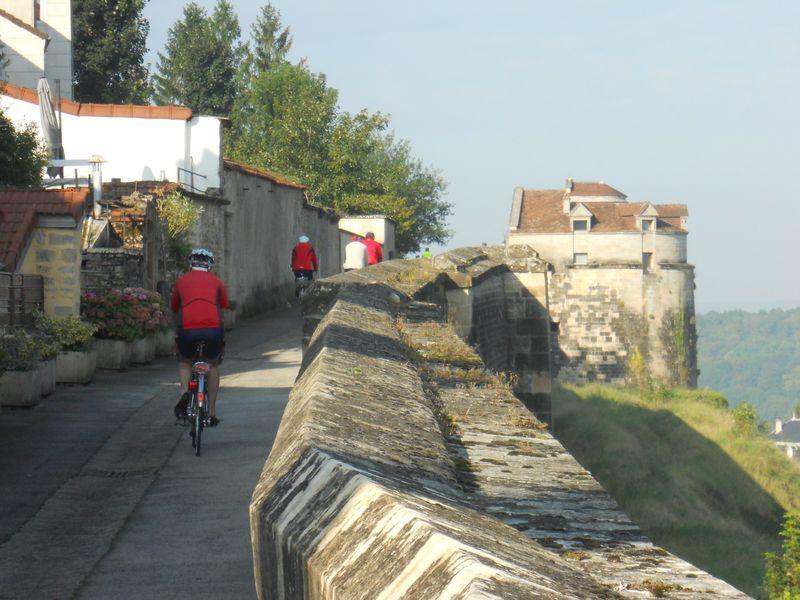 Langres, les remparts à vélo