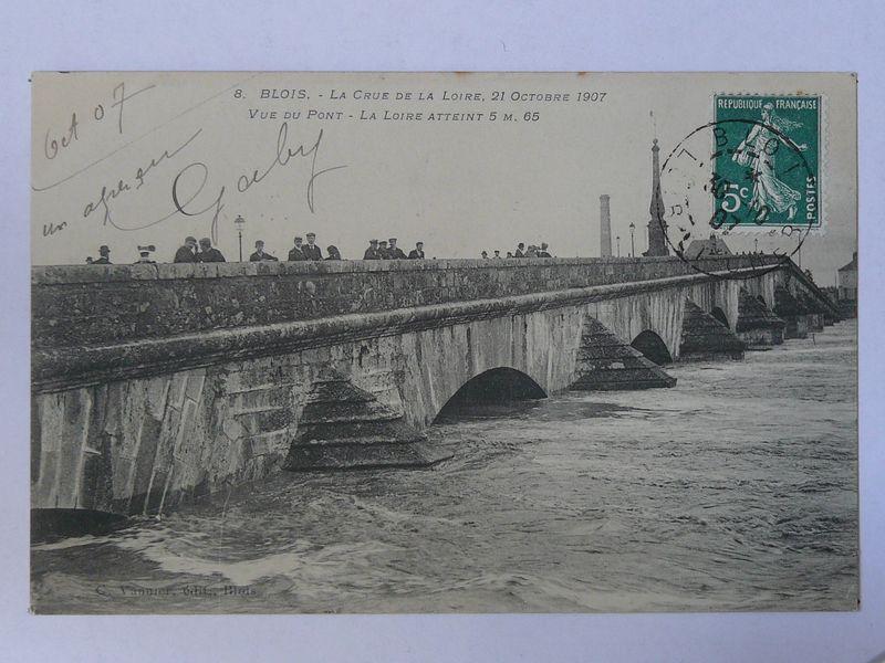 Blois, crue vue du pont